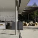 Brentwood Residence / Belzberg Architects (13) © Art Gray Photography