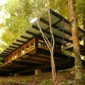 Sustainability Scrutinized: Recycled Materials Cottage  Juan Luis Martnez Nahuel