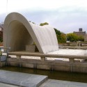 Hiroshima Peace Center and Memorial Park / Kenzo Tange Photo by DoNotLick - http://www.flickr.com/photos/donotlick/