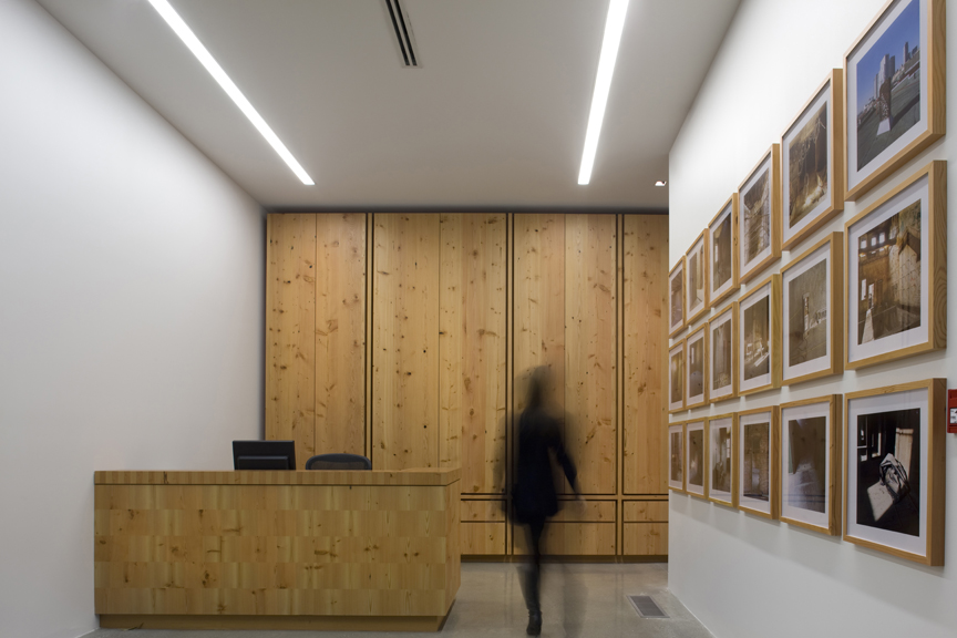 Rennie Art Gallery and Offices / Walter Francl Architects with mgb