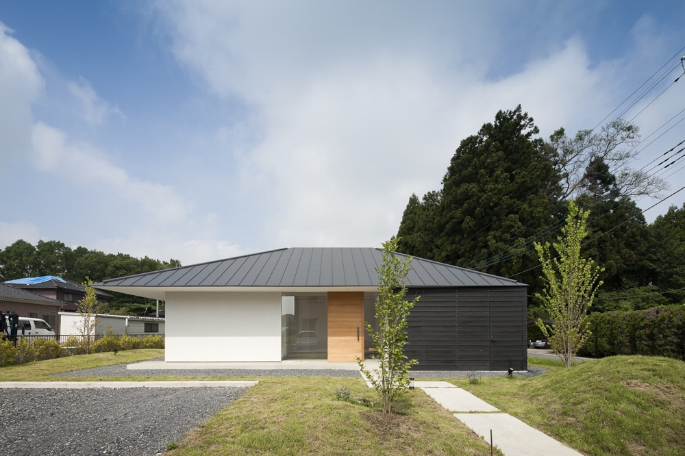 Doughnut House / Naoi Architecture & Design Office
