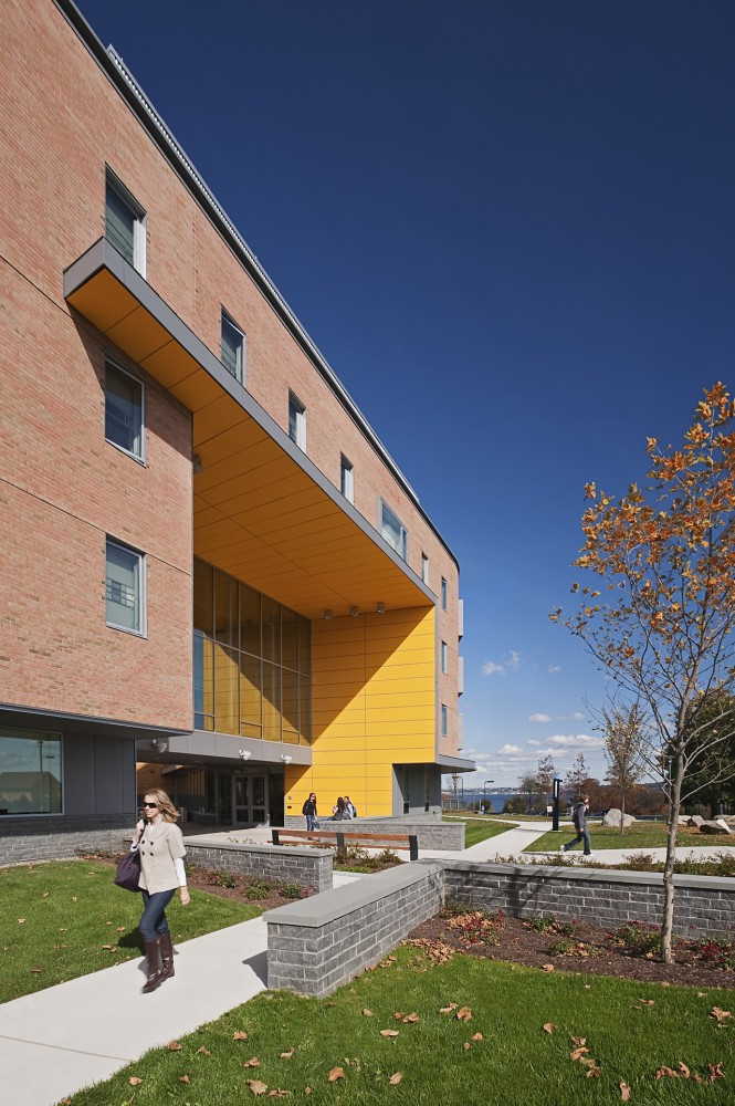 RWU North Campus Residence Hall / Perkins+Will