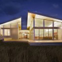 Truro Residence / ZeroEnergy Design (2) © Eric Roth Photography