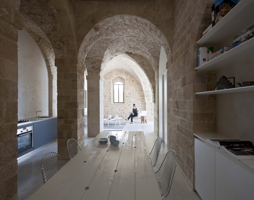 Jaffa Apartment / Pitsou Kedem Architect (21) © Amit Geron