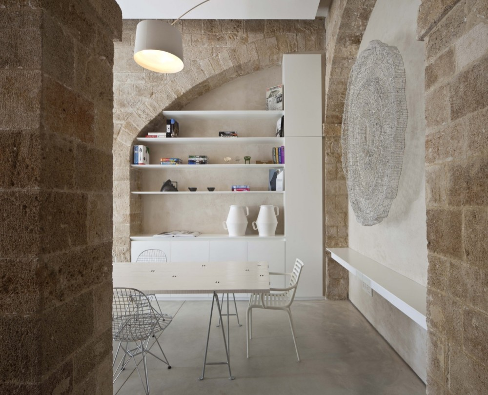 Jaffa Apartment / Pitsou Kedem Architect (17) © Amit Geron