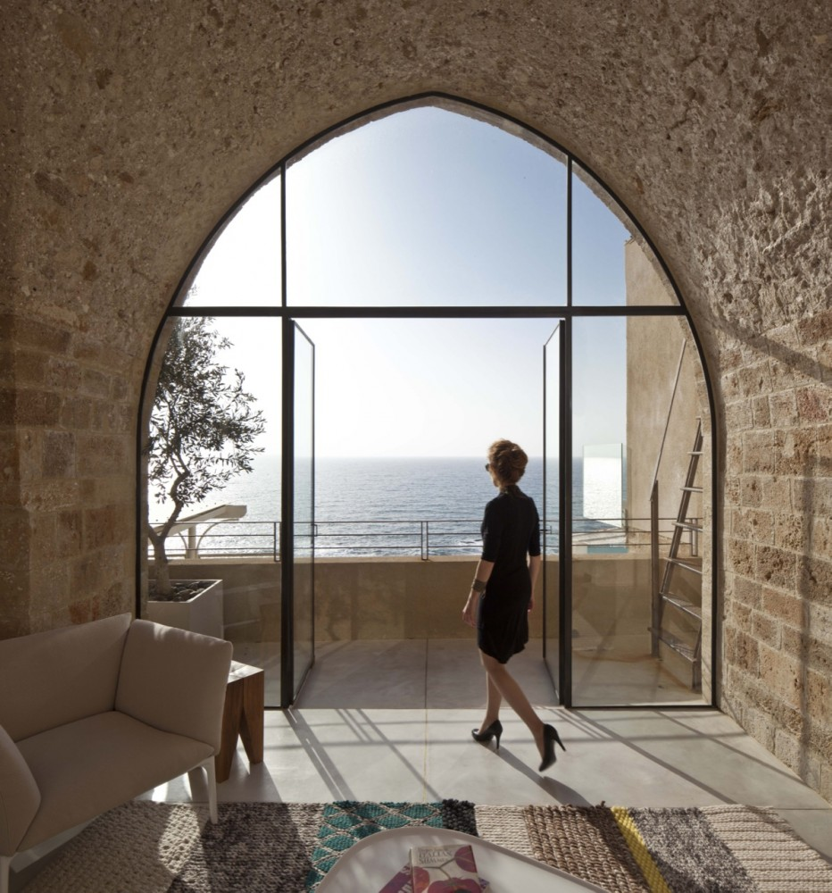 Jaffa Apartment / Pitsou Kedem Architect (16) © Amit Geron