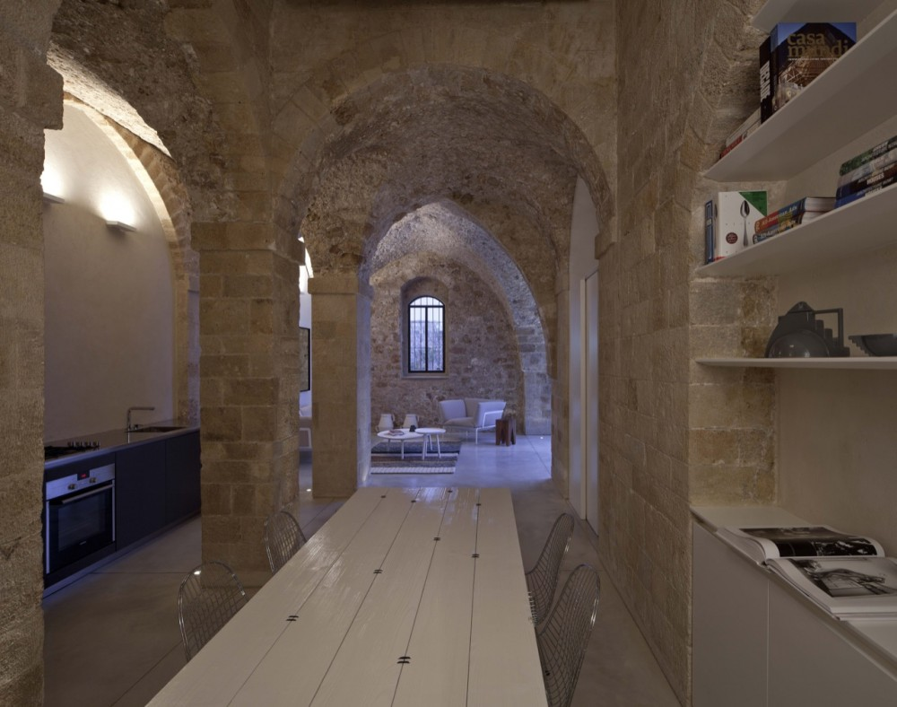 Jaffa Apartment / Pitsou Kedem Architect (10) © Amit Geron