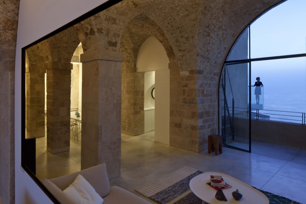 Jaffa Apartment / Pitsou Kedem Architect (9) © Amit Geron