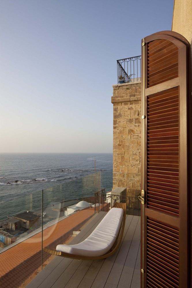 Jaffa Apartment / Pitsou Kedem Architect (5) © Amit Geron