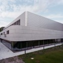 Research & Sports Hall of Humboldt University / Scheidt Kasprusch Architekten (12) © Rainer Gollmer
