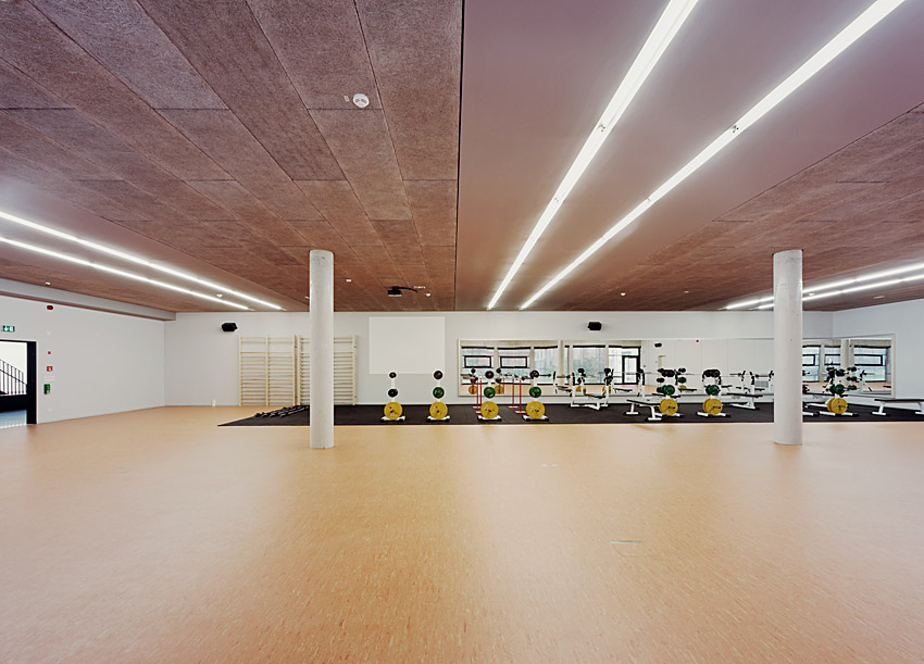 Research &#038; Sports Hall of Humboldt University / Scheidt Kasprusch Architekten