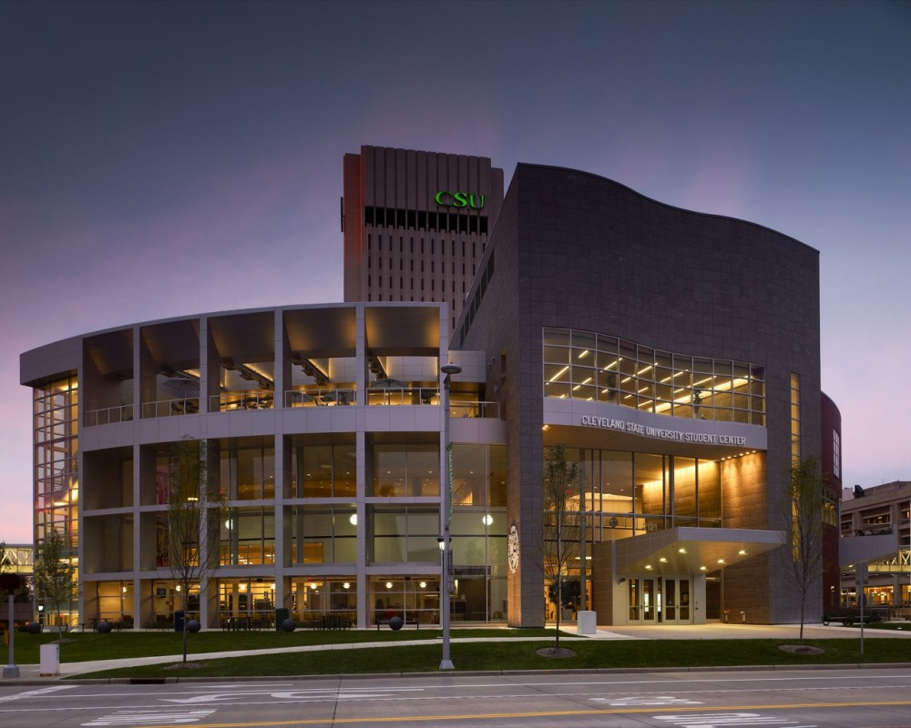 Cleveland State University Student Center / Gwathmey Siegel & Associates Architects with Braun & Steidl Architects