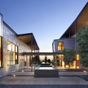Berkeley Courtyard House / WA Design Inc (16) Courtesy of WA Design Inc