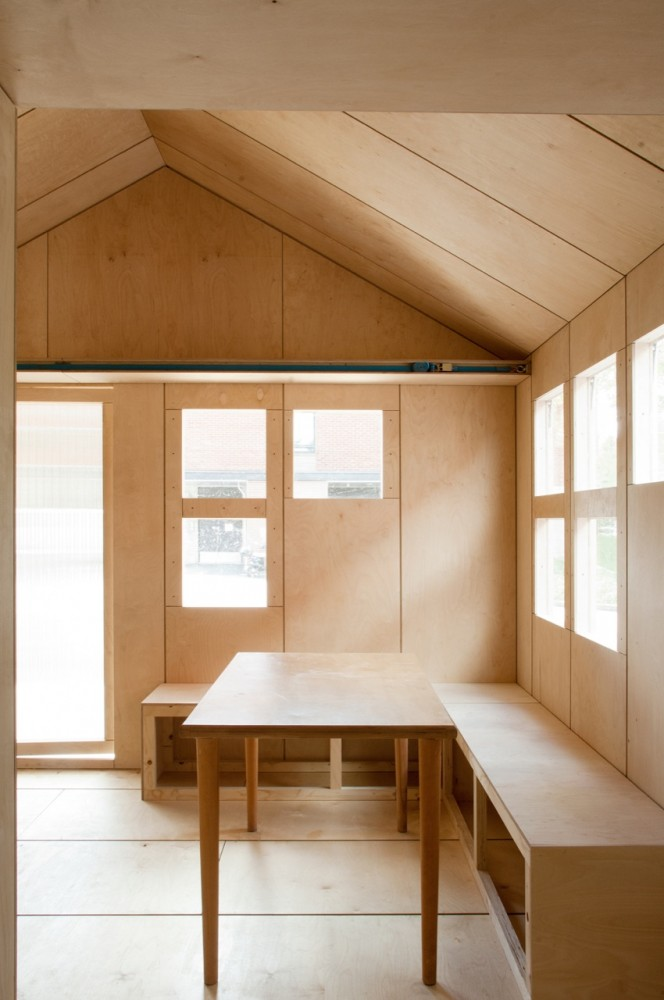 Liina Transitional Shelter / Aalto University Wood Program