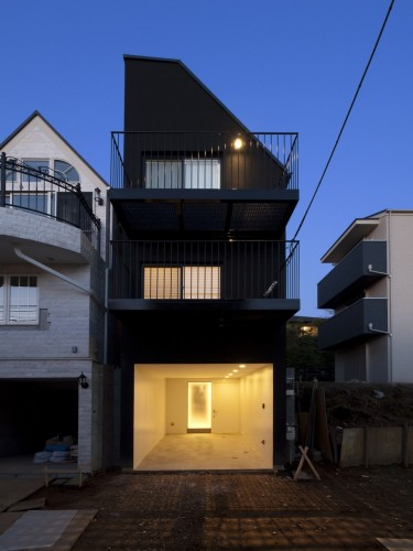 House Contrast Key Operation Archdaily