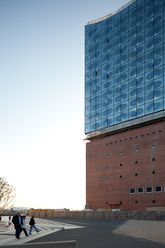 Update: Elbe Philharmonic Hall / Herzog and de Meuron