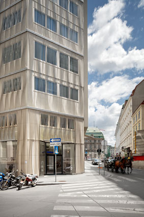 Verbund Headquarter Facade / SOLID Architecture
