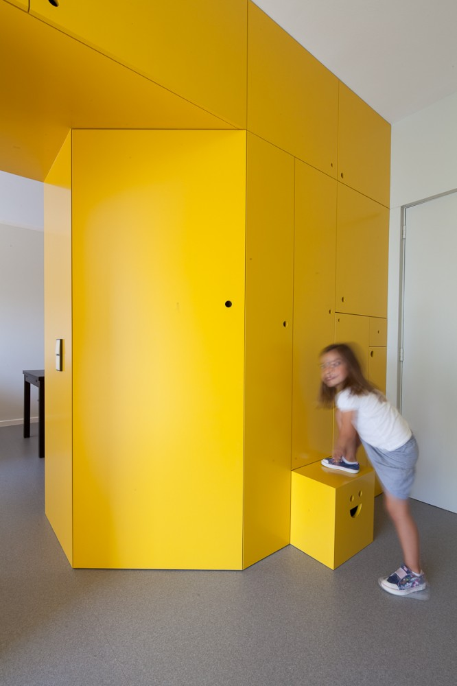 Yellow Apartment Renovation / Pedro Varela & Renata Pinho