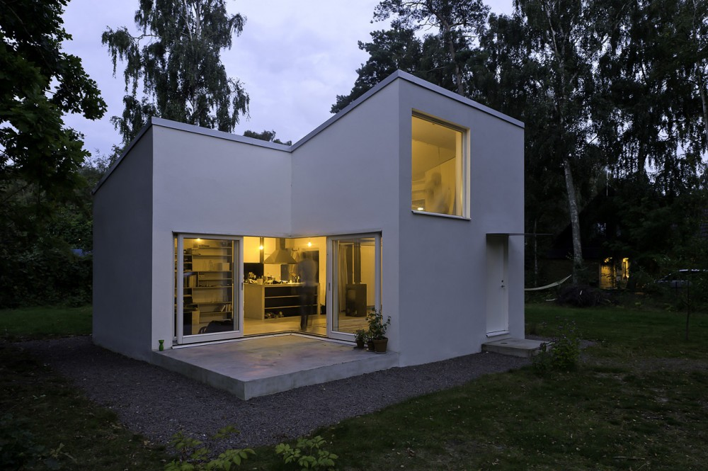 Small Swedish House / DinellJohansson