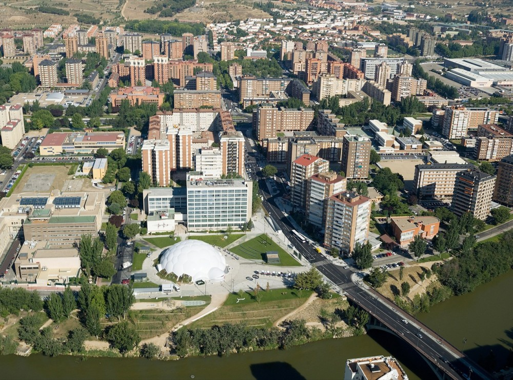 Urban Redevelopment of the Plaza del Milenio / EXP architects