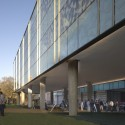 Landscape Design for Brockman Hall for Physics at Rice University / The Office of James Burnett (9) © Hester + Hardaway
