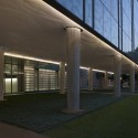 Landscape Design for Brockman Hall for Physics at Rice University / The Office of James Burnett (7) © Hester + Hardaway