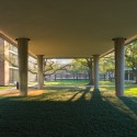 Landscape Design for Brockman Hall for Physics at Rice University / The Office of James Burnett (4) © Hester + Hardaway