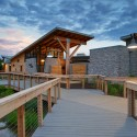 Highlands Park Family Aquatic Center / Meyers + Associates Architecture (18) © Matthew Carbone