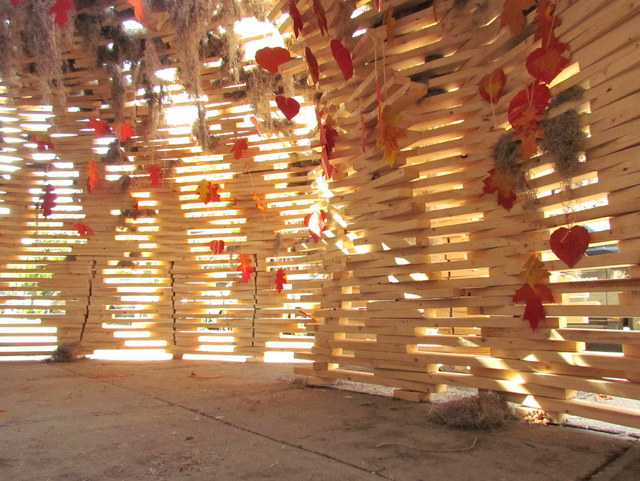 Sukkah 'In the Field' Installation / BanG studio