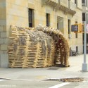 Sukkah 'In the Field' Installation (1) © Paul Clemence