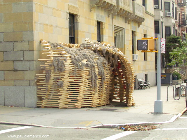 Sukkah &#8216;In the Field&#8217; Installation / BanG studio