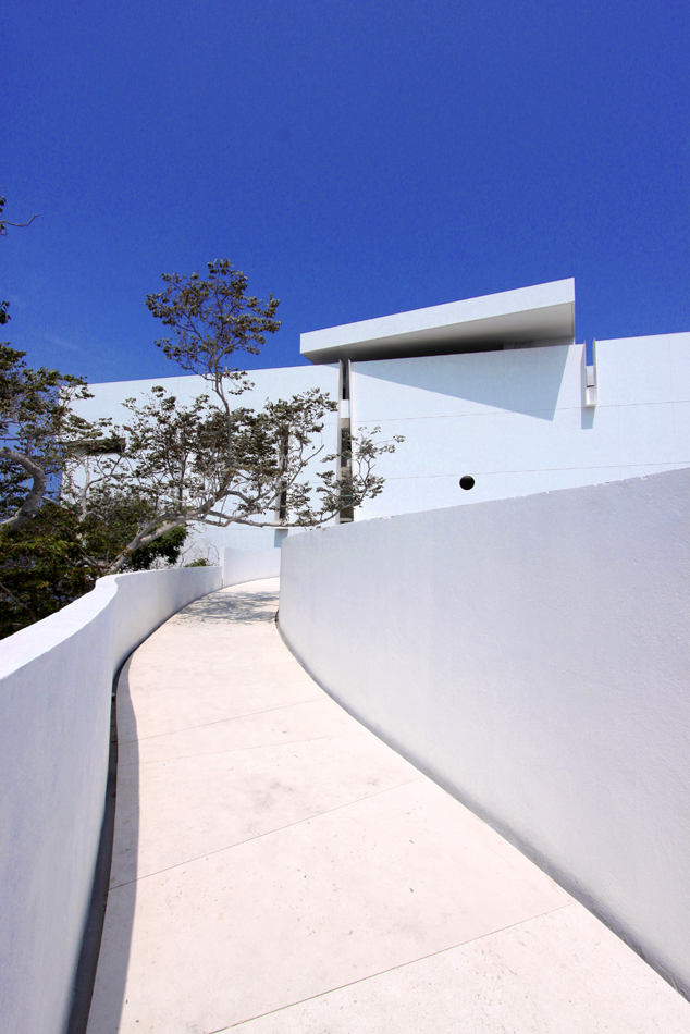 Hotel Encanto Acapulco / Miguel Angel Aragons