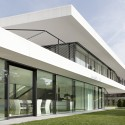 Giacomuzzi Commercial Building / monovolume architecture + design  Simon Constantini