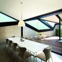 Pitched Roof House / Chenchow Little  John Gollings