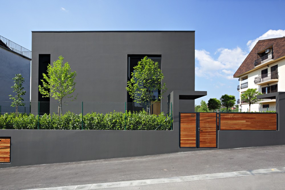 Black House / DVA ARHITEKTA