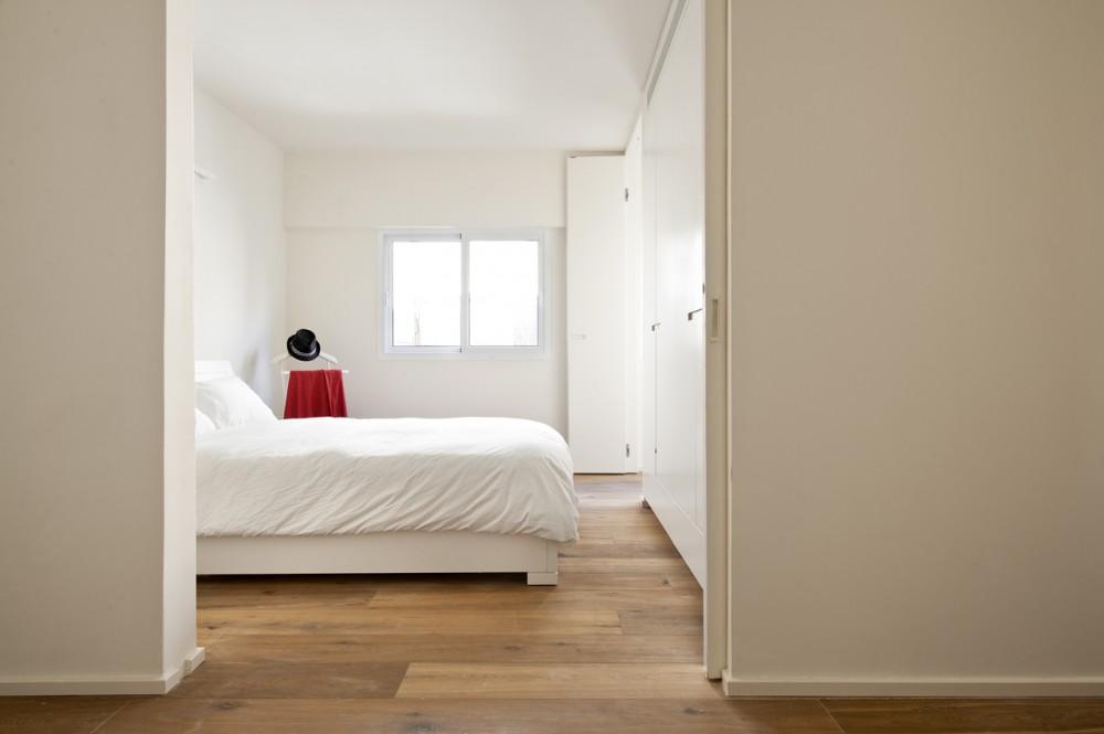 40 Sqm Apartments / SFARO (9) © Boaz Lavi & Jonathan Blum