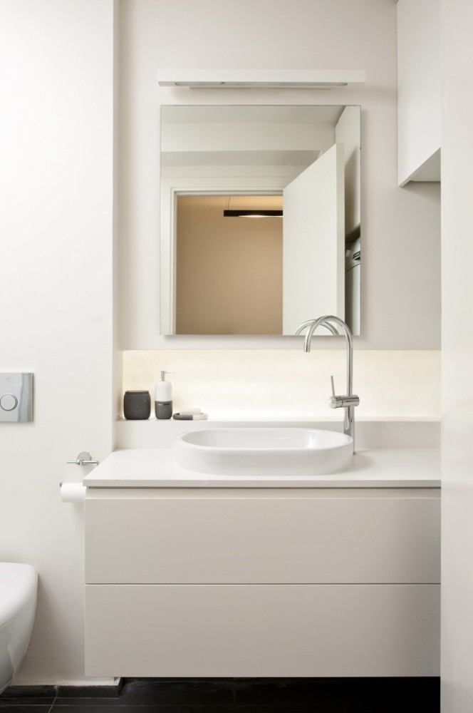 40 Sqm Apartments / SFARO (7) © Boaz Lavi & Jonathan Blum