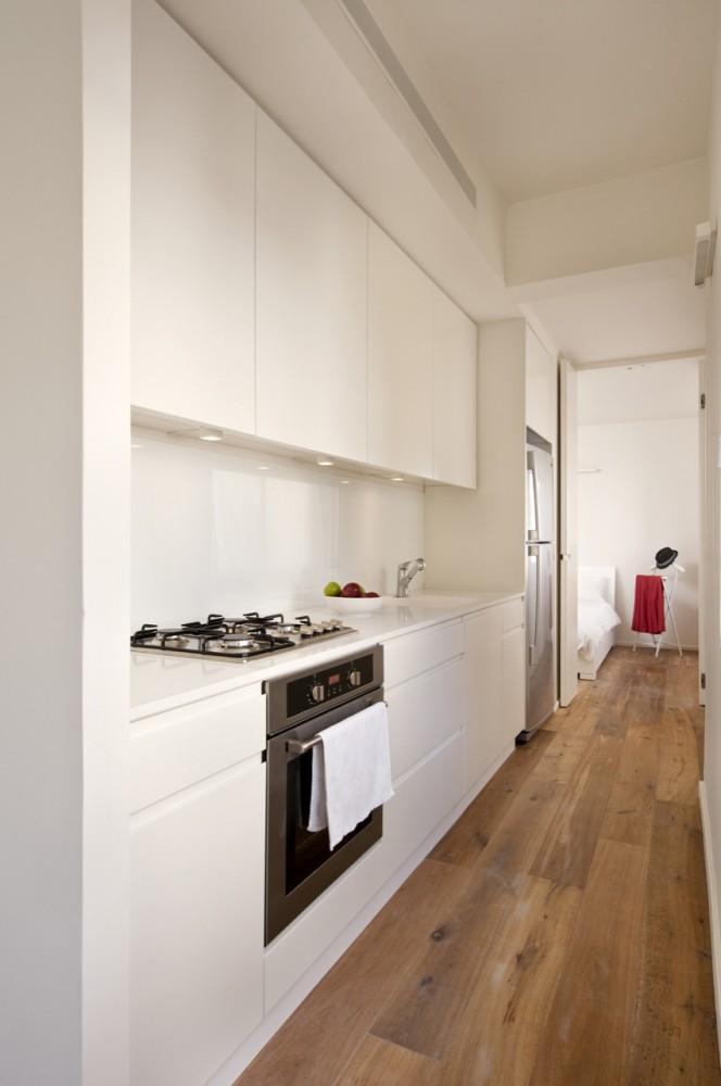 40 Sqm Apartments / SFARO (6) © Boaz Lavi & Jonathan Blum