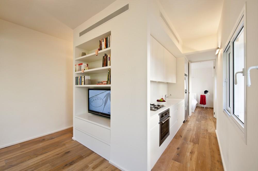 40 Sqm Apartments / SFARO (3) © Boaz Lavi & Jonathan Blum
