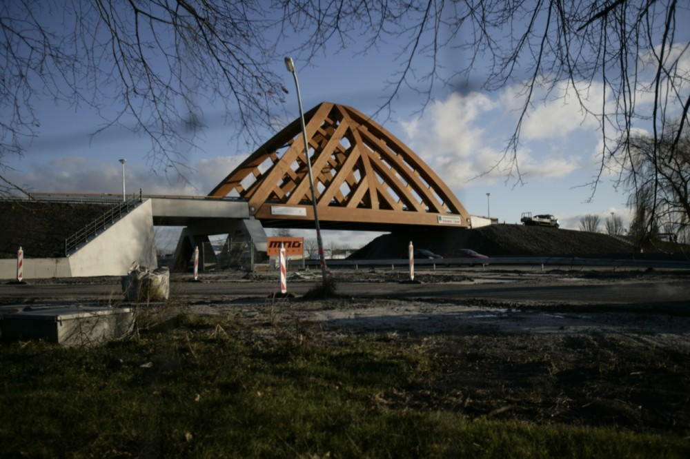 Sneek Bridge / Achterbosch Architectuur with Onix