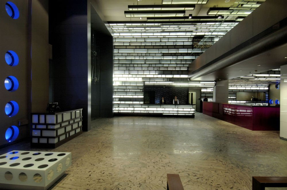 Chrome Hotel / Sanjay Puri Architects