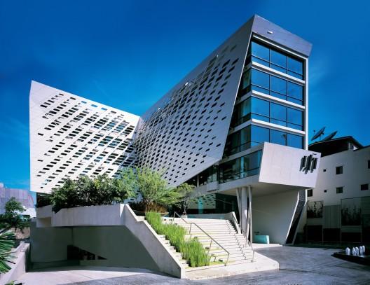 LIT Bangkok / VaSLab Architecture   ArchDaily