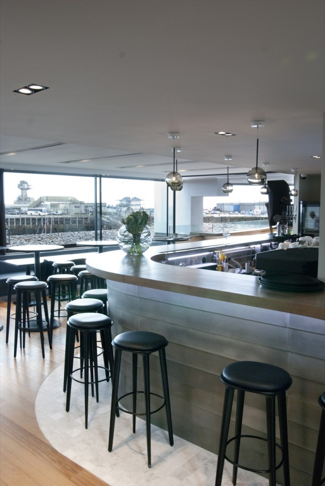 Rocksalt Seafood Restaurant / Guy Hollaway Architects