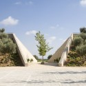 Ramat Hanadiv Visiting Center / Ada Karmi-Melamede Architects (30) © Amit Geron