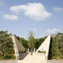 Ramat Hanadiv Visiting Center / Ada Karmi-Melamede Architects (9) © Amit Geron