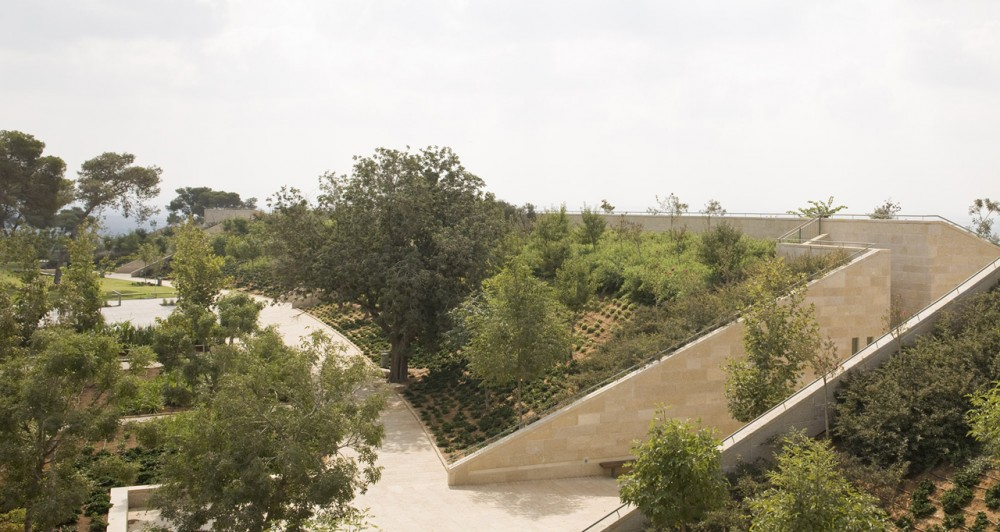 Ramat Hanadiv Visiting Center / Ada Karmi-Melamede Architects