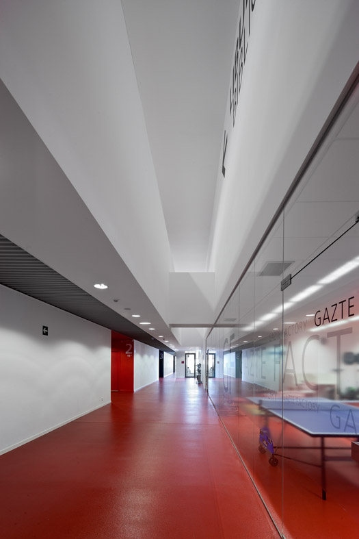 Ibaiondo Civic Center / ACXT Arquitectos