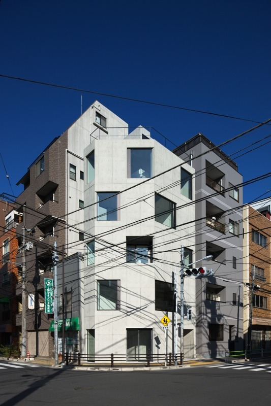 Damier / APOLLO Architects & Associates