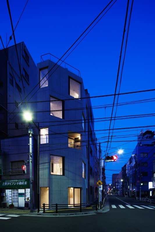 Damier / APOLLO Architects &amp; Associates