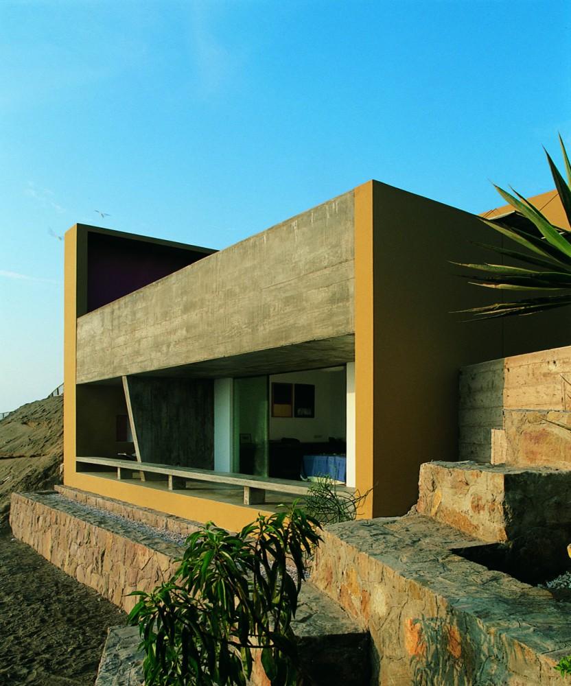 Flashback Casa Equis / Barclay & Crousse Architecture Courtesy of Barclay & Crousse Architecture